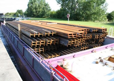 Inland Navigator carries Steel to Leeds