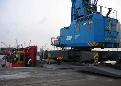 Mobile Harbour cCrane Movement from Newport to Cardiff
